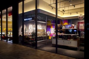 デルフォニックス大阪ギャラリー 会場イメージ|旅するフルーツシール展